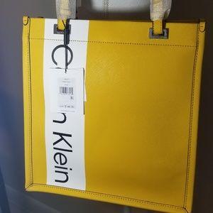 2c7d08b041 Calvin Klein Bags - 🌻NWT Calvin Klein women yellow franzy logo tote🌻
